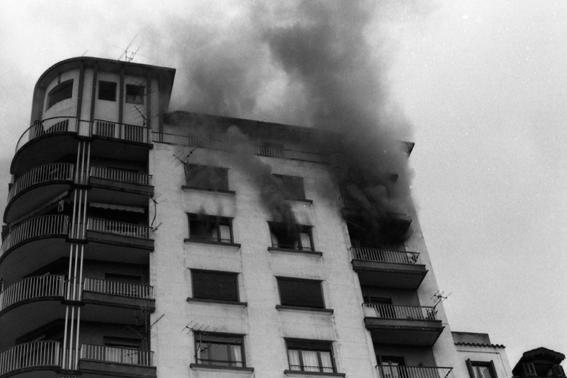 Incendio en el rascacielos 8.jpg