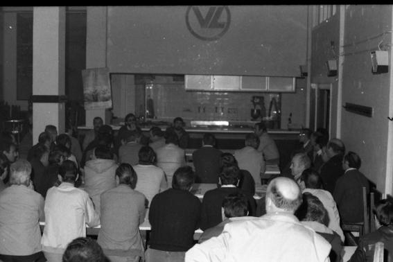 Asamblea en el comedor de VL BIS.jpg