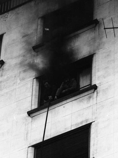 Incendio en el rascacielos 16.jpg